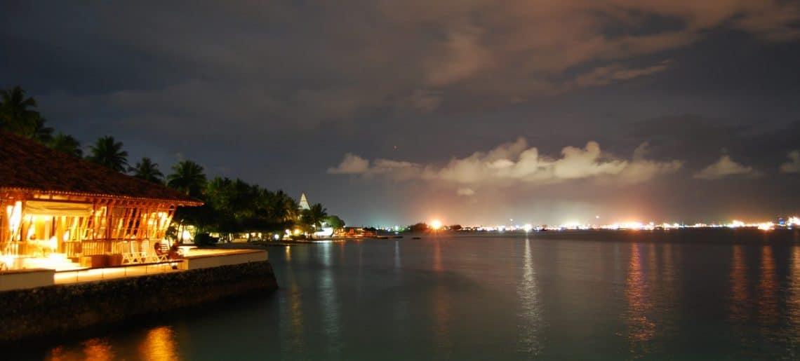 De compras por Malé, la capital de Maldivas