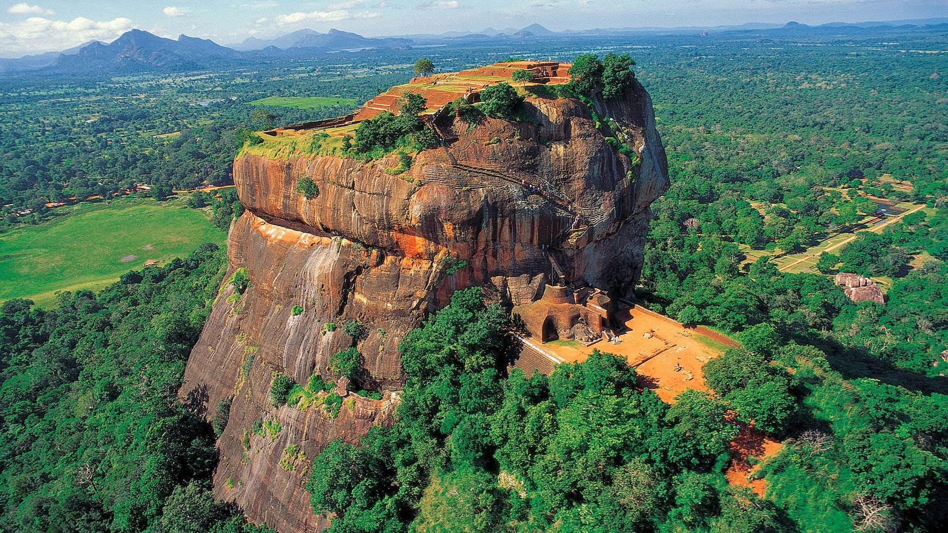 La roca de Sigiriya y su entorno