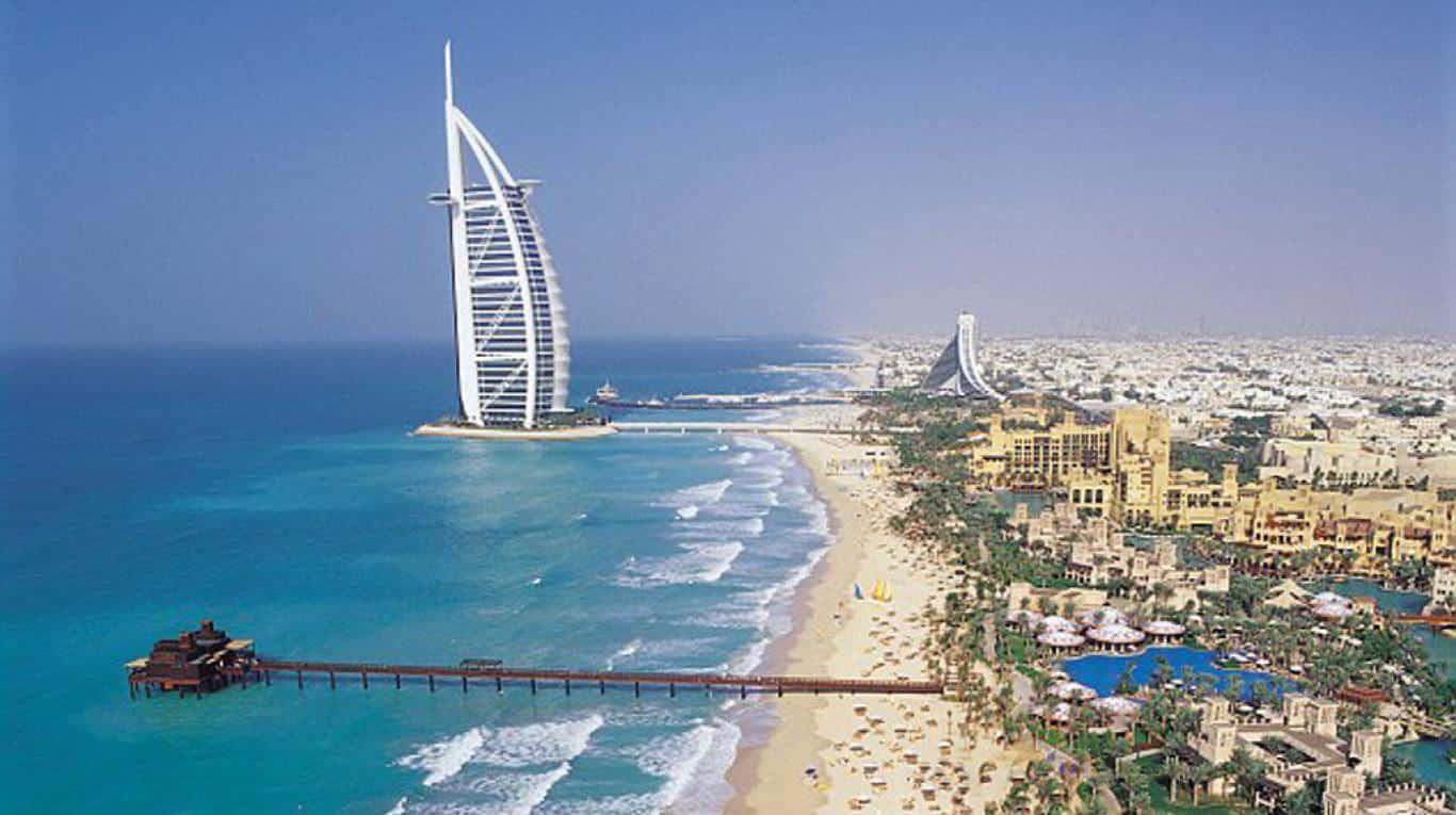 Foto de la playa de Dubai y del Burj Al Arab