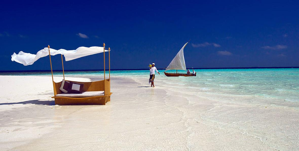 baros maldives beach