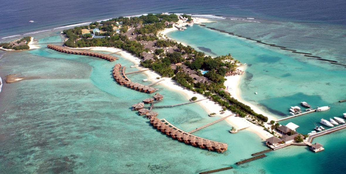 arenatours sheraton maldives fullmoon aerial