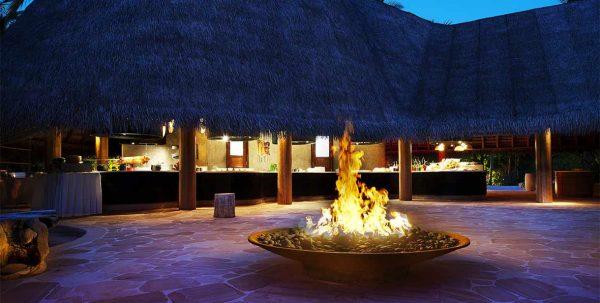 W Maldives Restaurants: fire