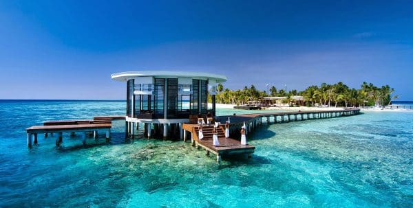 travel to maldives