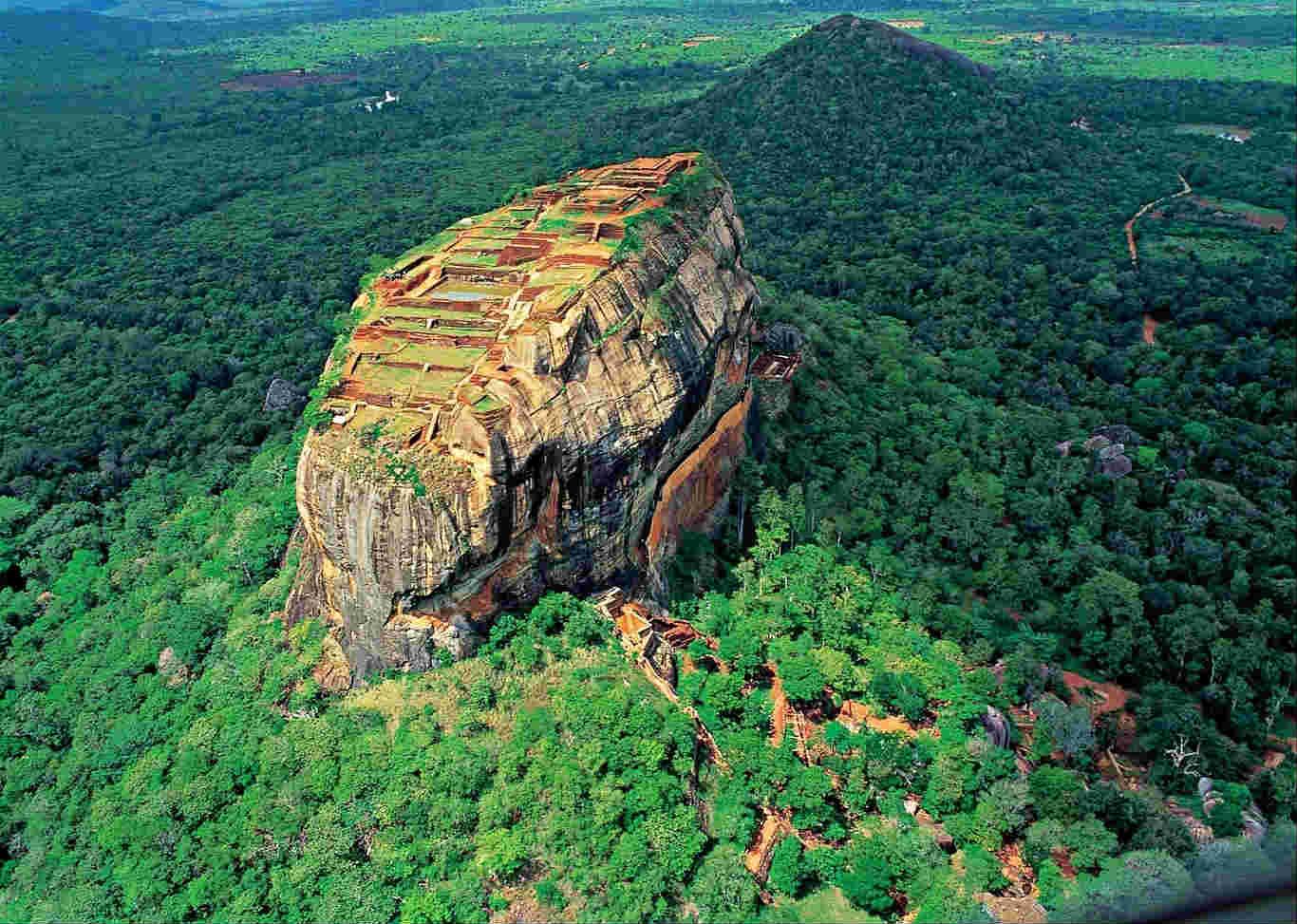La roca de Sigiriya vista por un drone