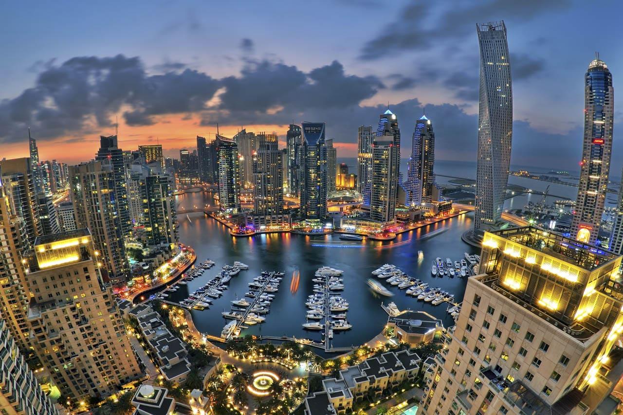 Foto de Dubai Marina por la noche