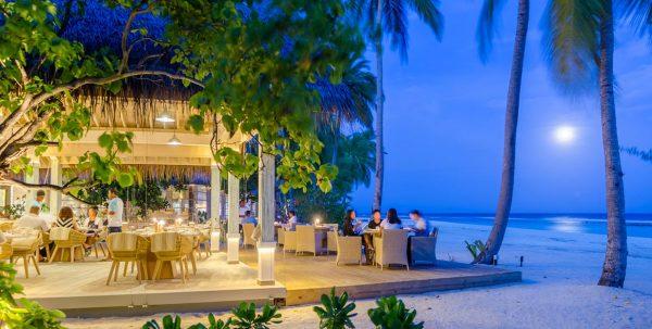 Finolhu BaaHaa Grill: el restaurante por la noche