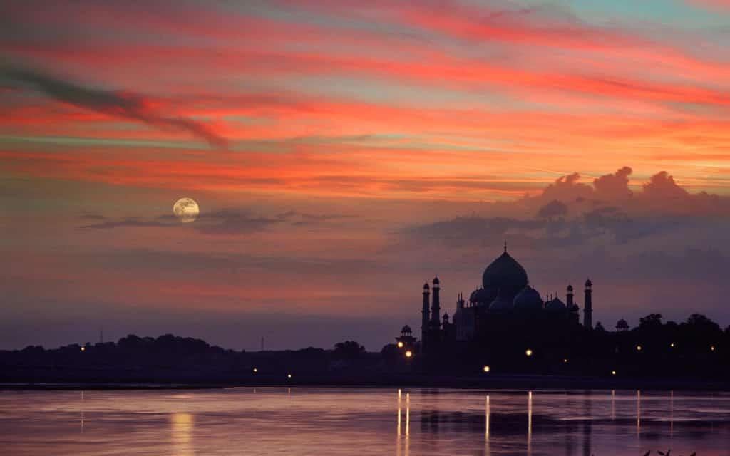 Paisaje de India a la puesta del sol