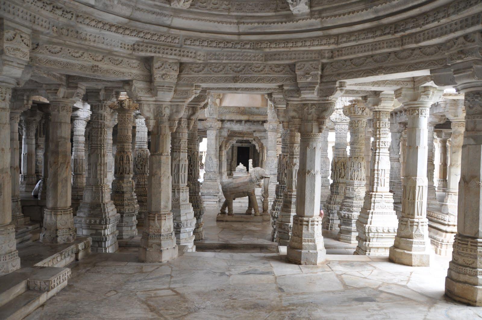 Elefante en marmol en el templo de Ranakpur