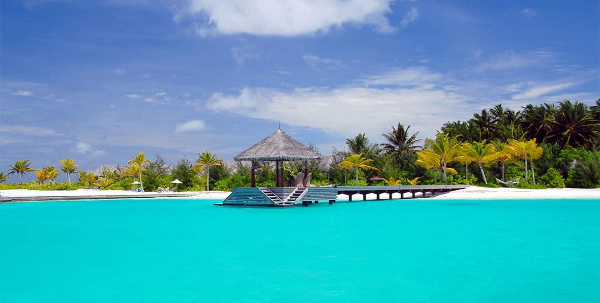 Muelle de llegadas Naladhu Maldives
