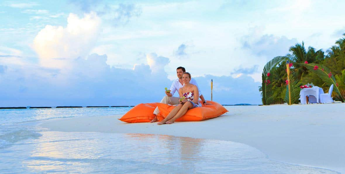 Tropical Island Beach Ambience Sound: Resort Kurumba In Maldives Country